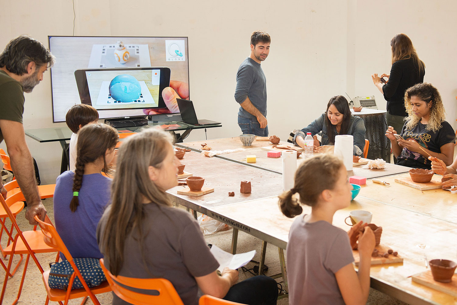 Ceramics and augmented reality workshop